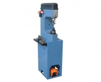Comec CC300 - станок для наклепки накладок на тормозные колодки (пневмо)